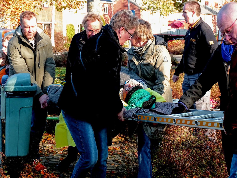 Inwoners redden buurman tijdens rampenoefening in Zuidwolde